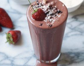 Клубнично-Шоколадный Молочный Коктейль