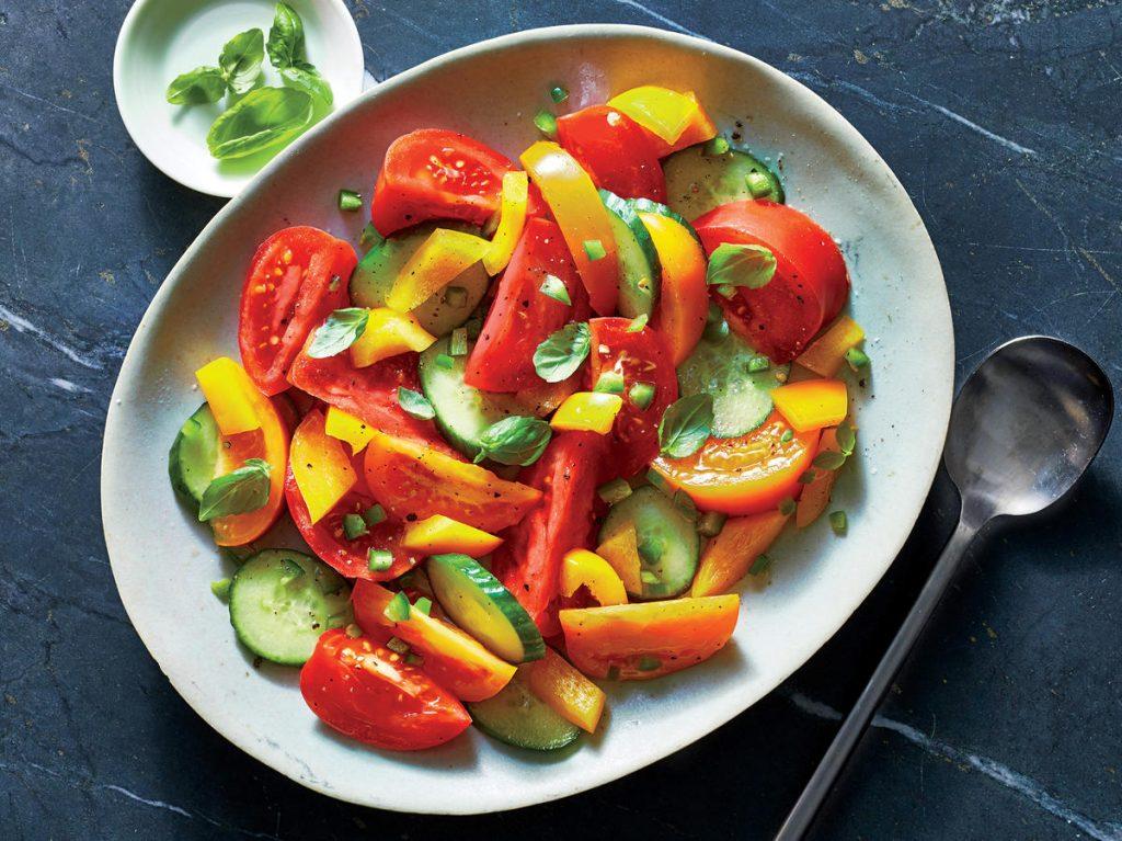 Легкий Салат из Овощей с Чесночной Заправкой
