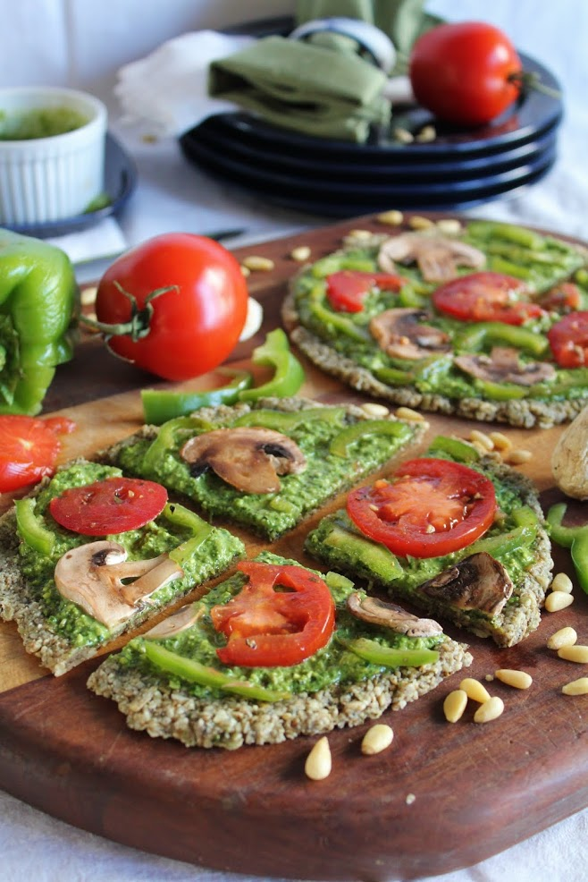 Мини-Пиццы со Шпинатным Песто и Овощами