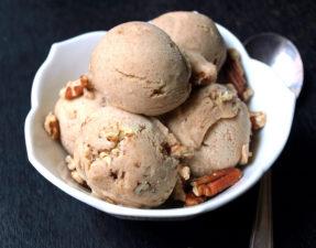 Мороженое с Орехами Пекан