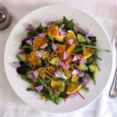 Весенний Салат с Листьями Одуванчика и Съедобными Цветами