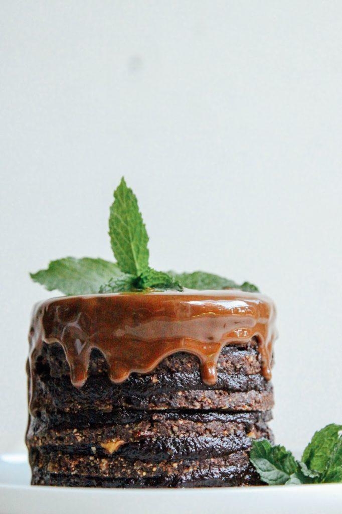 Шоколадный Торт с Шоколадным Соусом