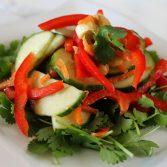 Салат из Огурцов с Лаймовой Заправкой