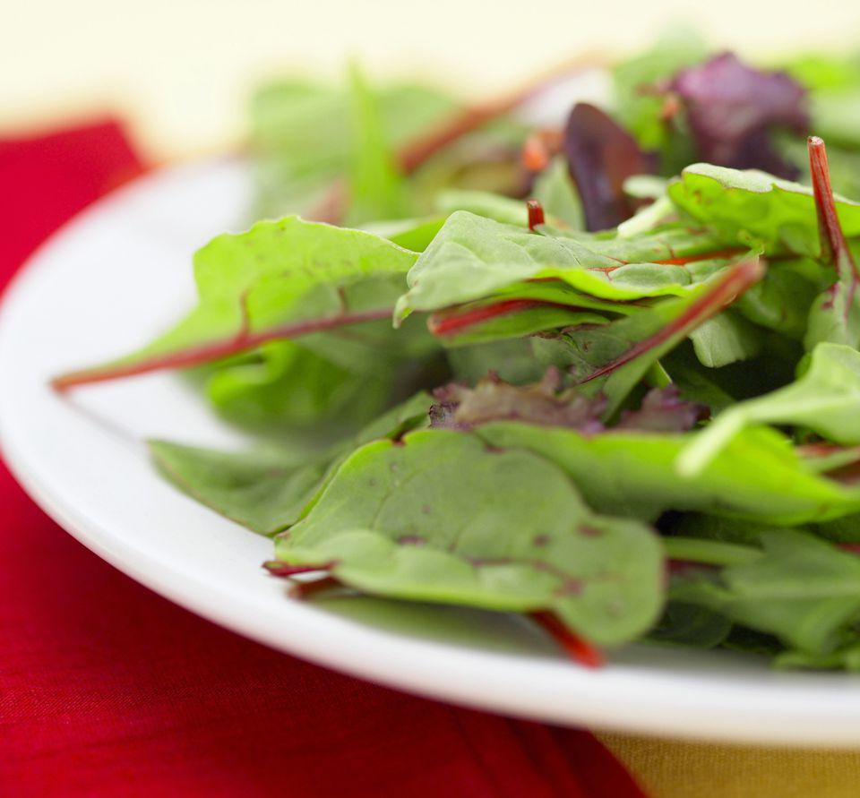 Салат из Свекольной Ботвы