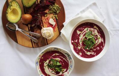 Свекольно-Авокадный Суп с Кремом из Кешью