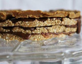 Ванильный Торт с Шоколадным Кремом и Макой