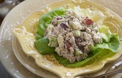 Сыроедческий Салат с Тунцом