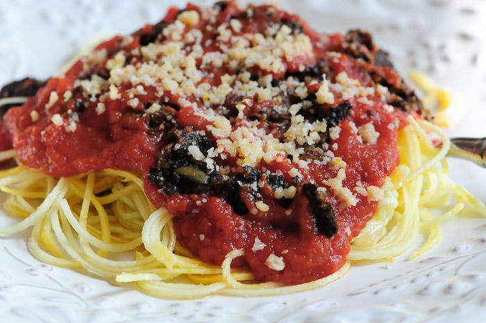 Сыроедческие Спагетти под Томатным Соусом