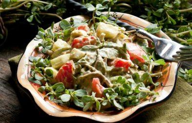 Сыроедческий Салат с Портулаком