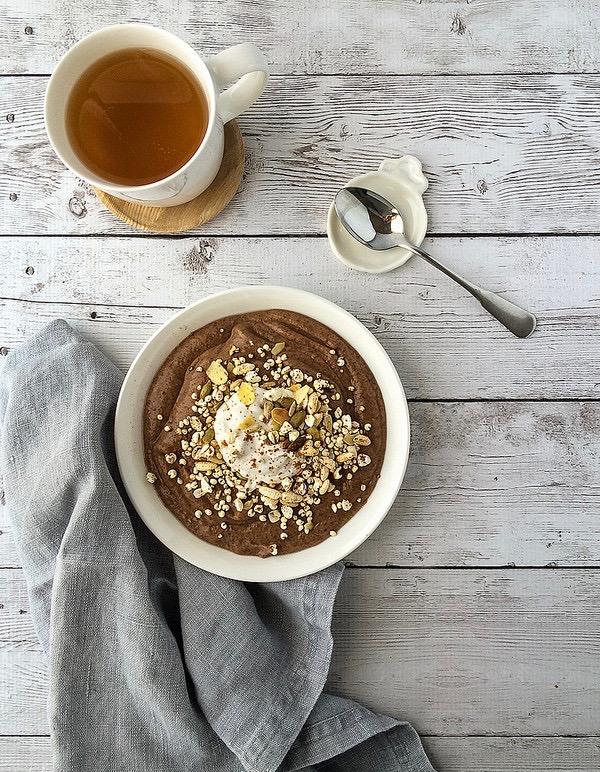 Сыроедческий Шоколадный Смузи-Боул на Завтрак
