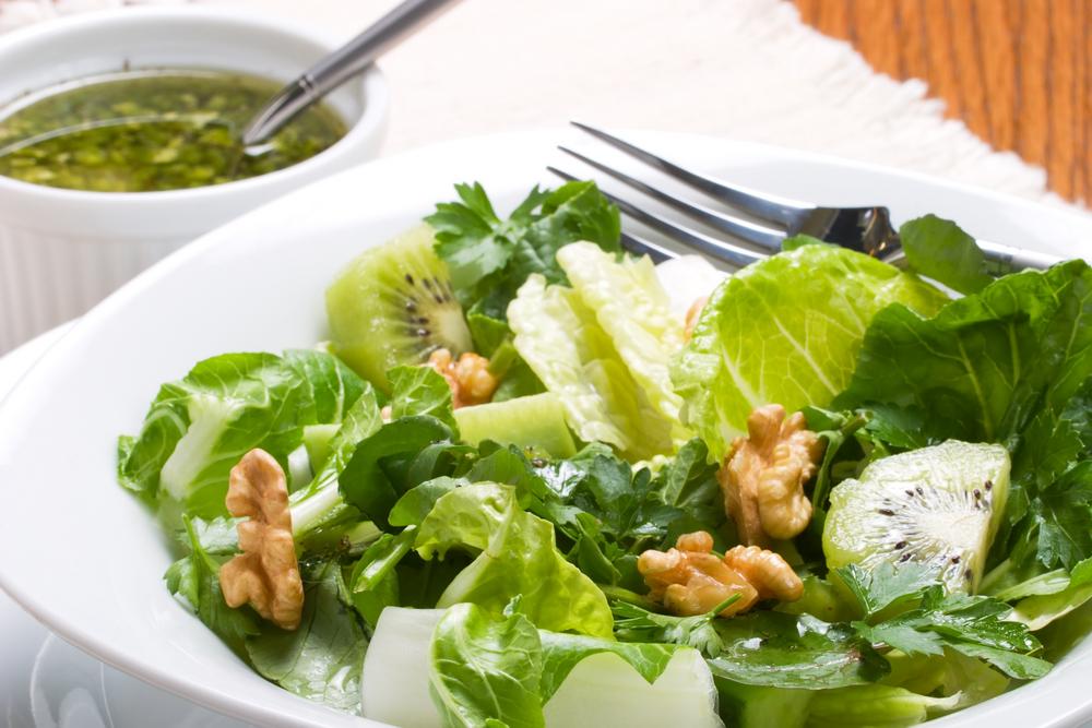 Сыроедческий Салат из Киви и Зелени