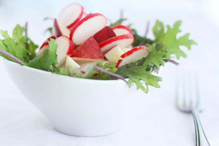 Сыроедческий Салат из Корнеплодов и Фруктов